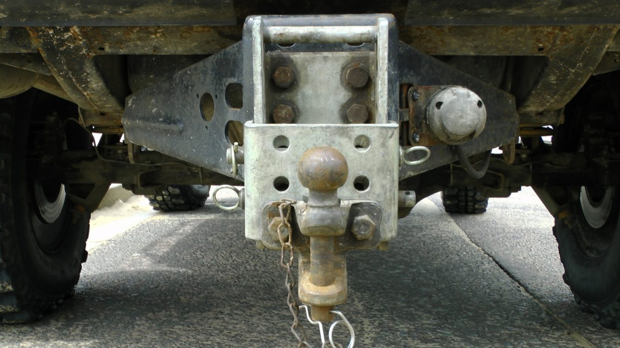 land-rover-jeep-tow-bar
