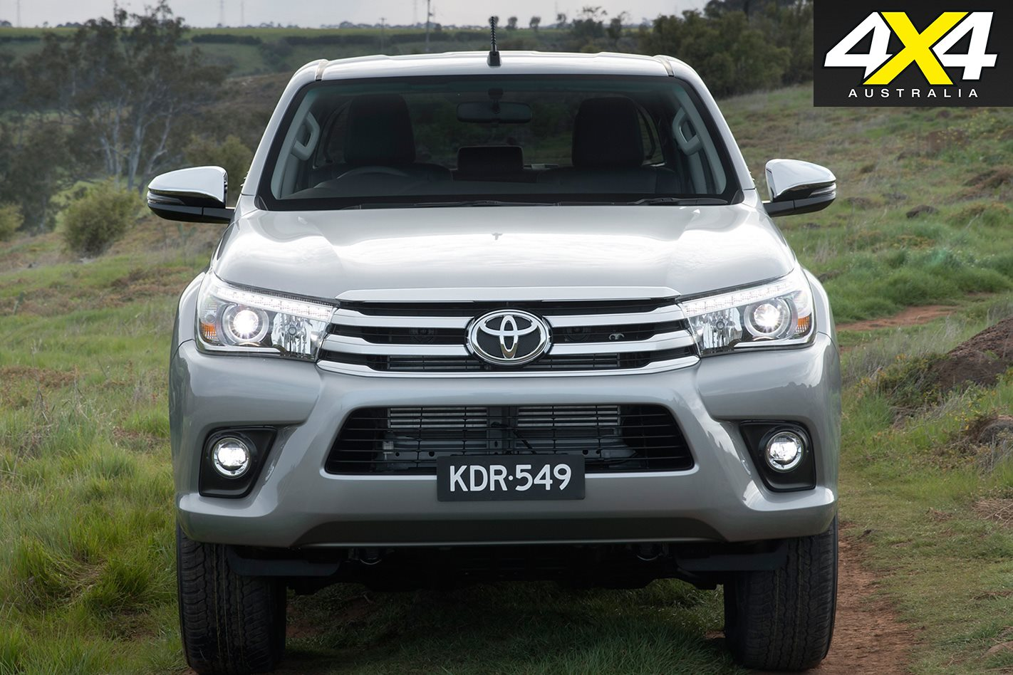 2018 toyota hilux sr5 and sr first drive club 4x4. Black Bedroom Furniture Sets. Home Design Ideas