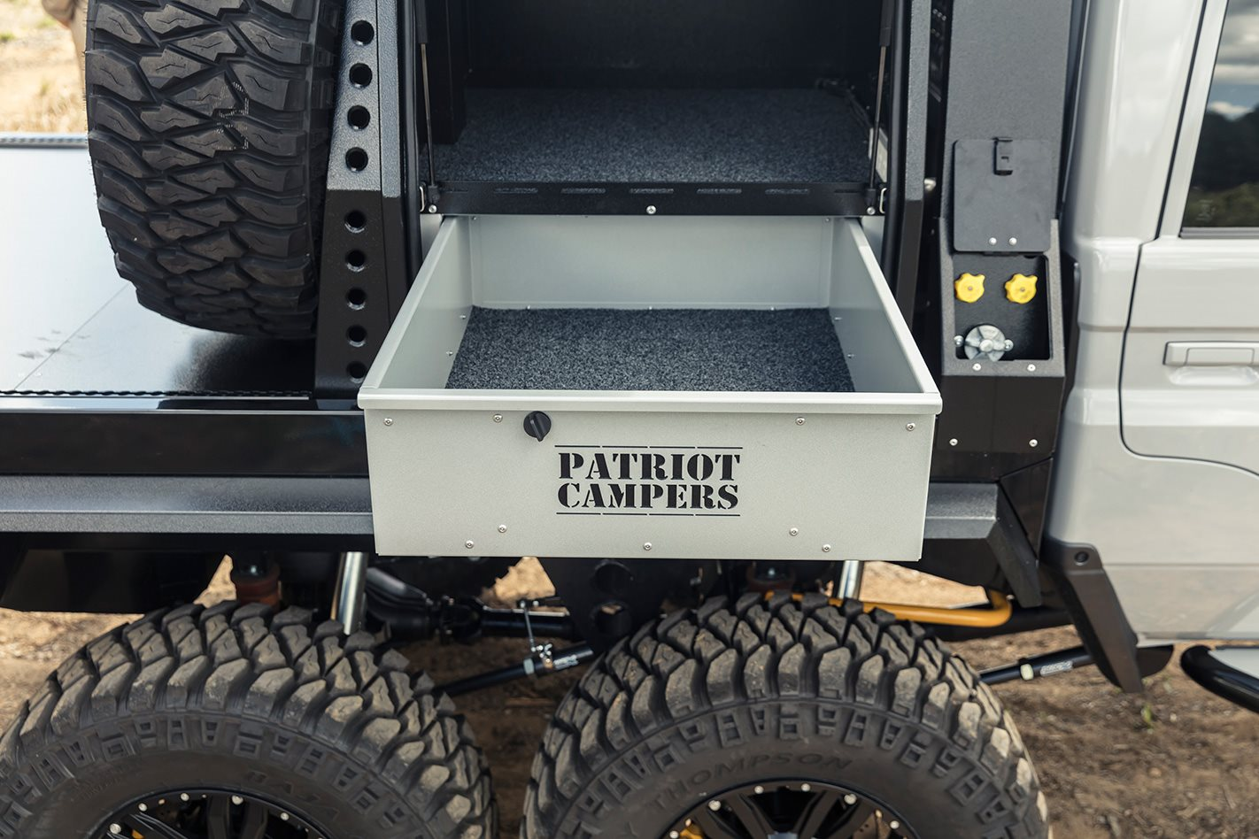 Patriot-Campers-6x6-Toyota-LC79-storage