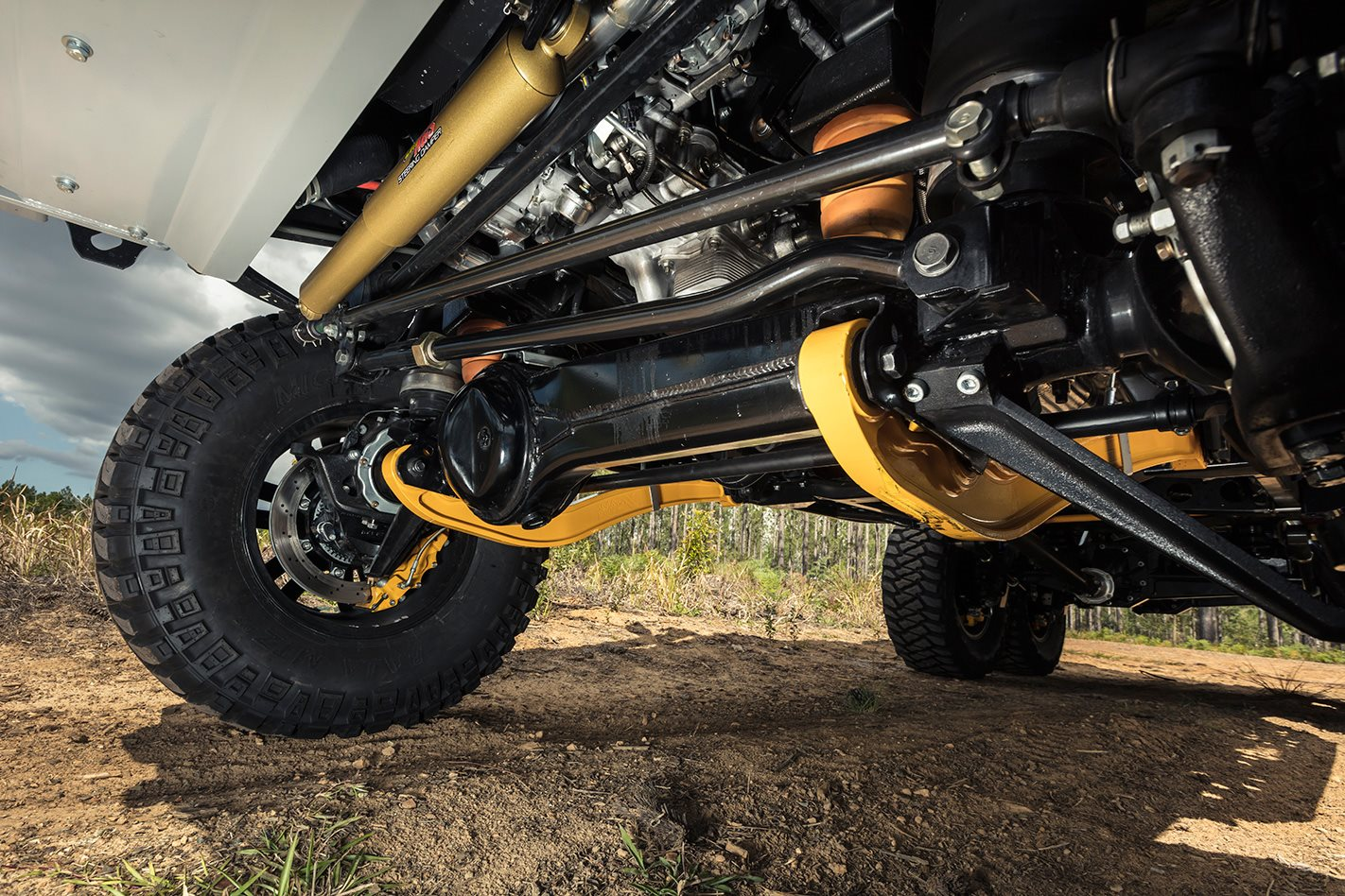 Patriot-Campers-6x6-Toyota-LC79-suspension