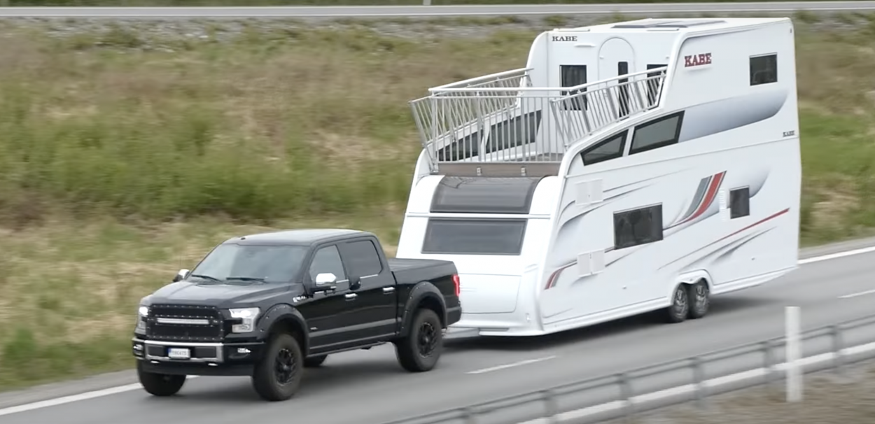 kabe-tower-double-decker-caravan